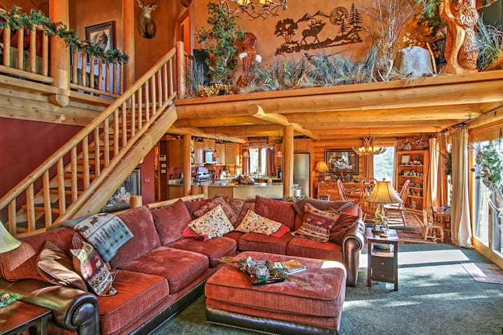 Designer 4BR Spearfish Home w/Mountain Views!