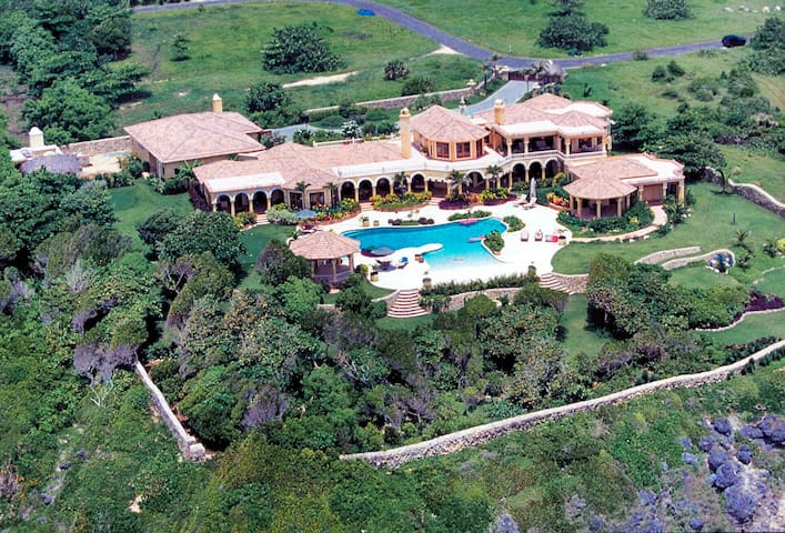 Villa Castellamonte; Luxury Villa - Cabrera - Casa
