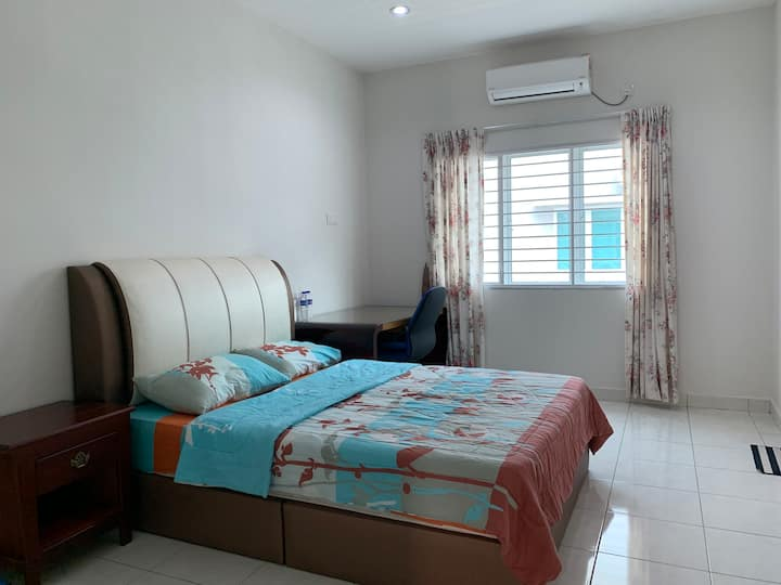 Master Room 3 @ Setia Residen, gated & guarded