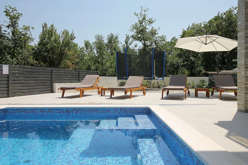 Villa Zora - comfortable Pool area with 30m2 Pool