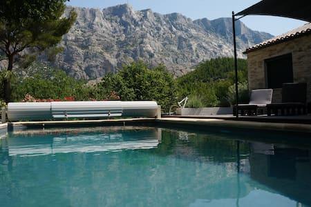 Villa Sainte Victoire Aix en Provence - Saint Antonin sur Bayon - Hus