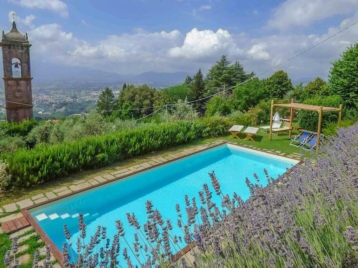 Emilia, privat pool villa x 6. View. WiFi. Lucca