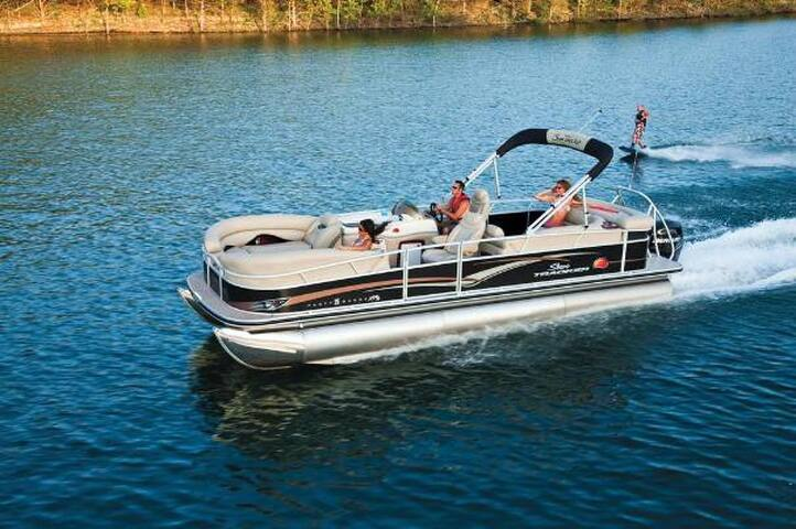 26 ft Regency Edition Party Pontoon Boat - Miami Beach