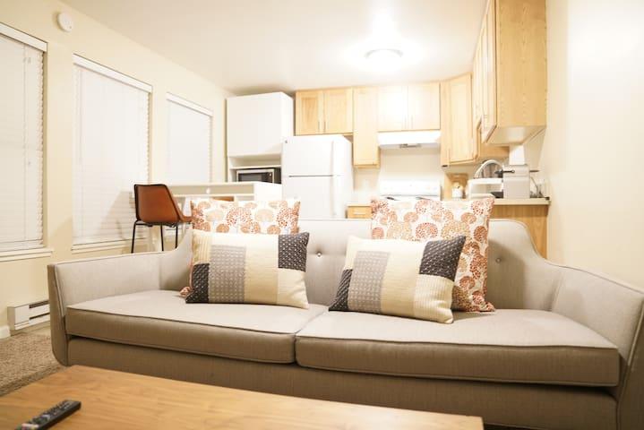 Cozy, Convenient, One Bedroom Apartment