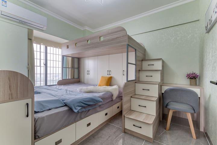 次卧-下铺1.8米床 上铺1.2米床