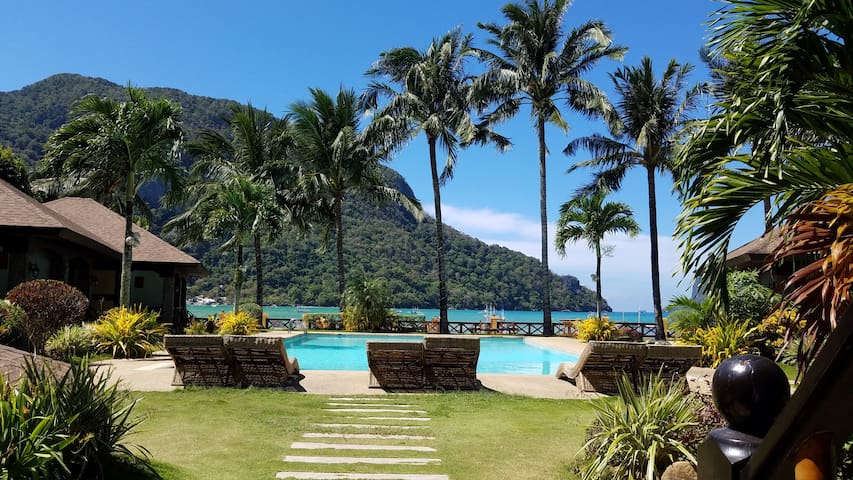 EL NIDO GARDEN BEACH RESORT, most relax place here - PH - Choza