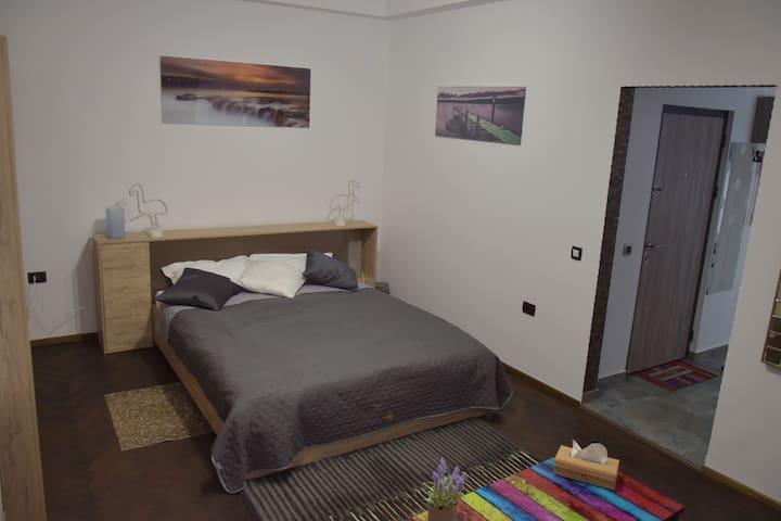 Huge studio M&M Top comfort&central  near Novotel