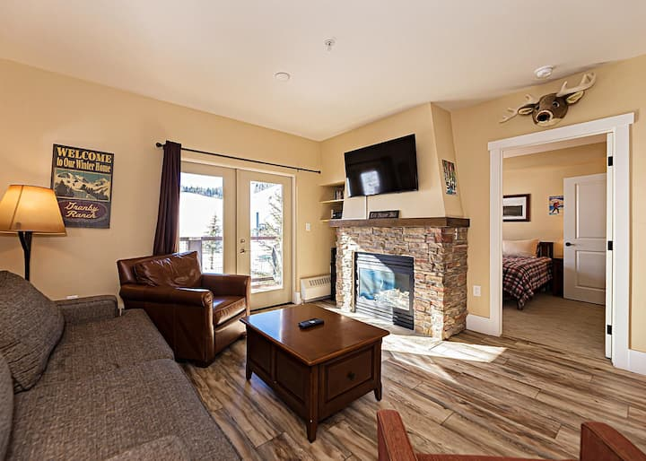 The Base Camp - Lux Ski-in/out 2bd/2ba Condo w/ AC