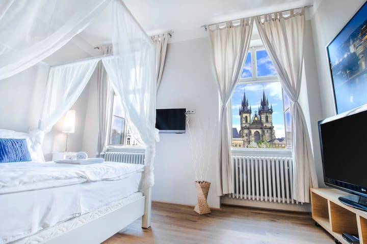 BEST LOCATION AND VIEW!!! PARKING - Prague - Apartment