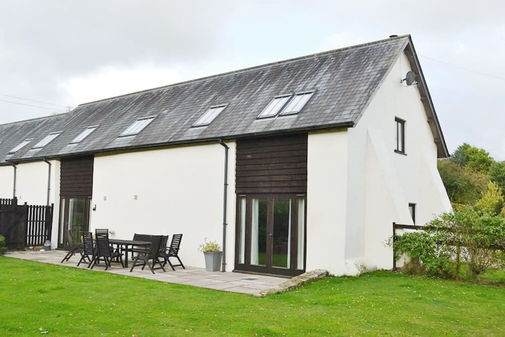 Harvest Moon, sleeps 8, is one of two adjacent properties at Lower Curscombe Barn, which together sleep 12