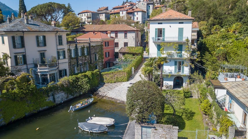 LAGLIO Artist House with DIRECT ACCESS TO THE LAKE