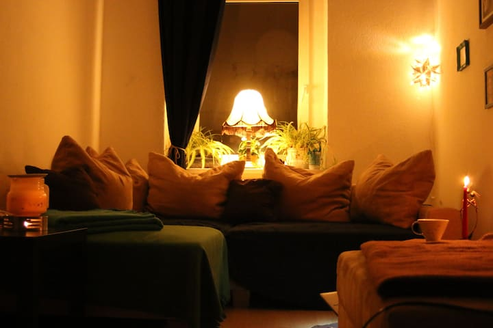 Sonnenzimmer im Jugendstil-Altbau - Chemnitz - Apartament