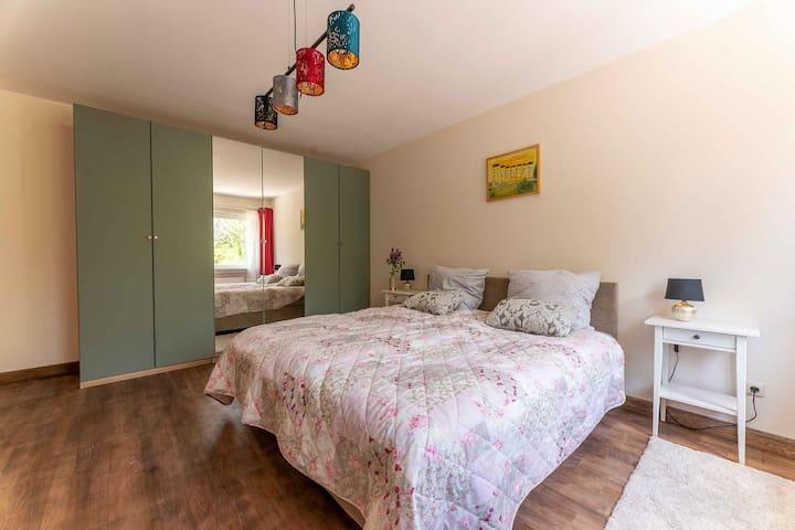 Ferienwohnung Alter Schafstall Schlafzimmer 1