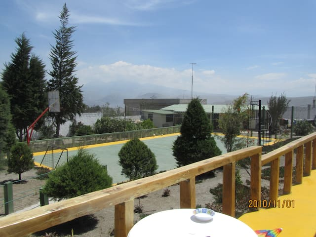 Villa with large spaces and recreational areas - Quito - Rumah Tamu