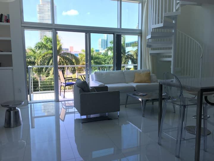 Cozy two-story loft in South Pointe, Miami Beach