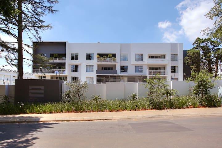 Epic Lifestyle Apartment Sandton