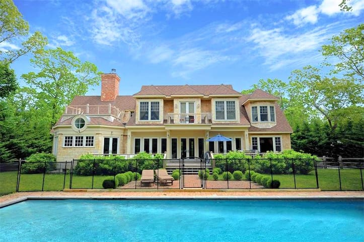 Villa Samantha - Chic Hamptons Home - サッグハーバー - 別荘