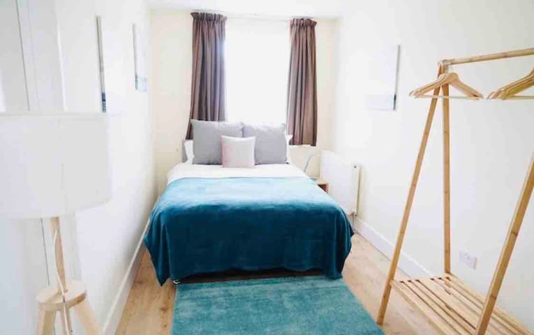 Chic En-suite in Central London - Hyde Park