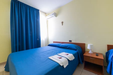 Three-Bed Room - San Giovanni Rotondo - Bed & Breakfast