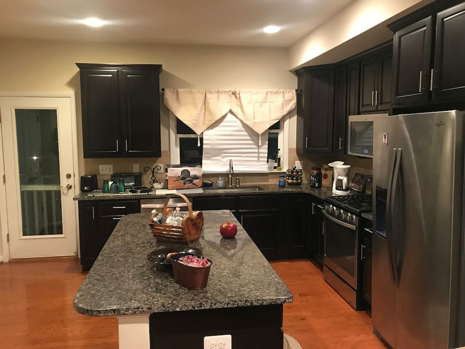 This is the full kitchen that you may use
