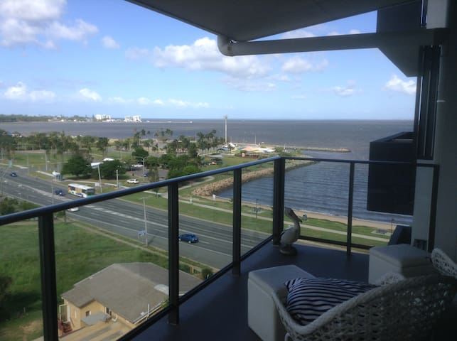 Beachfront Apartment - Explore Moreton Bay. - Clontarf - Apartament