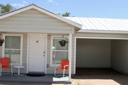 River Trail Cottages-Motor Court 1