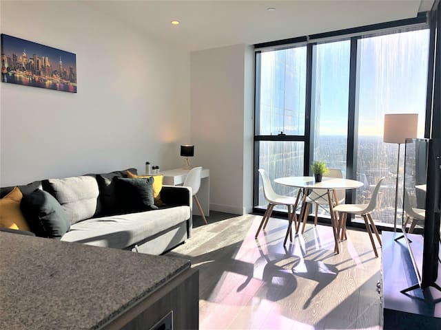 Amazing brand new apartment at Swanston Central!