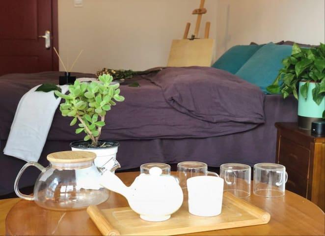 公寓最大的特色集客厅,卧室,厨房,卫生间为一体