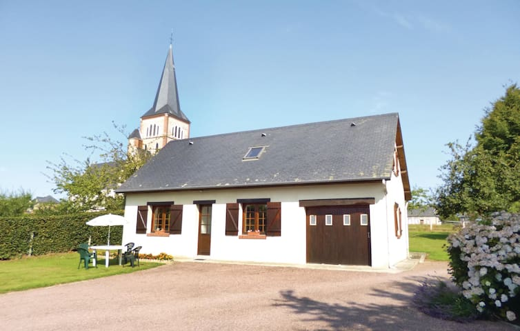 Holiday cottage with 3 bedrooms on 91m² in Bermonville