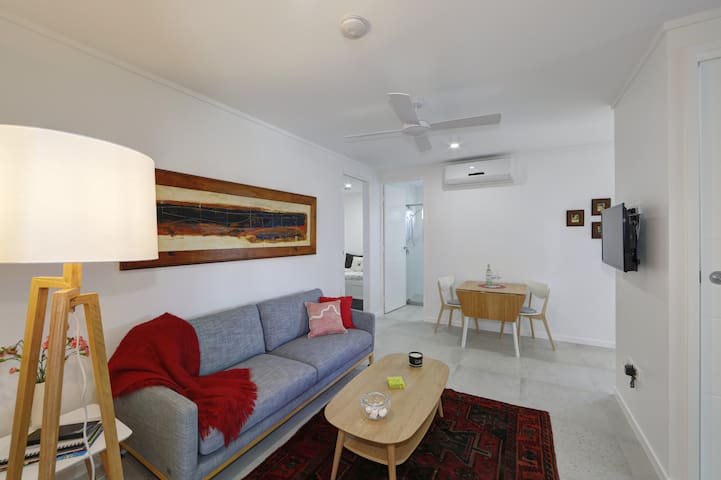 New Beachside, light & airy, walk to beach. - Bargara