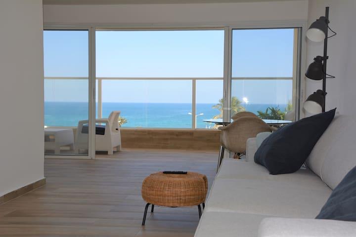 Beachfront Newly Renovated 3 Bedroom Apt