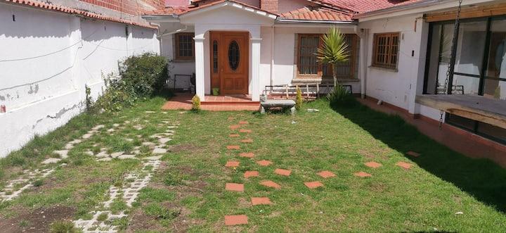 Casa cerca al complejo de achumani