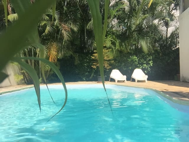 Sam & Chlo - (with  Private Pool)