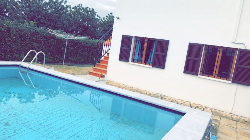 Great Villa 3 bed, pool 600mtrs from beach wifi