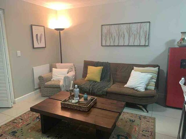 Centrally located studio apartment near Waterfront