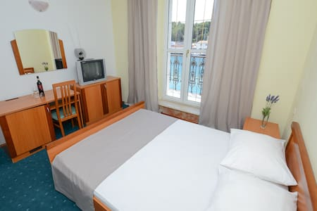 Hotel Sidro - Sea view double room - Milna
