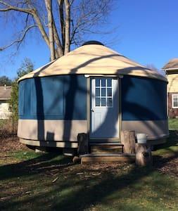 Experience A Yurt - La Porte - Rundzelt