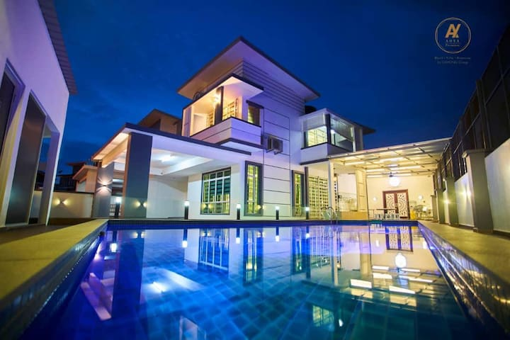 Private Swimming Pool + KTV in Aoya Villa Malacca