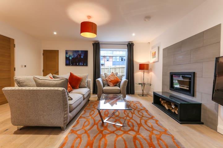 Meadow House -Modern Luxury in the Heart of Bucks