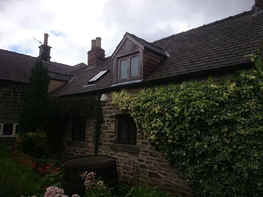Cruck Cottage 1