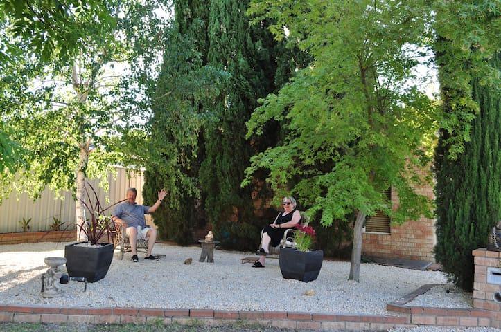 Buddha's Retreat. Spa. Sauna. Free WiFi