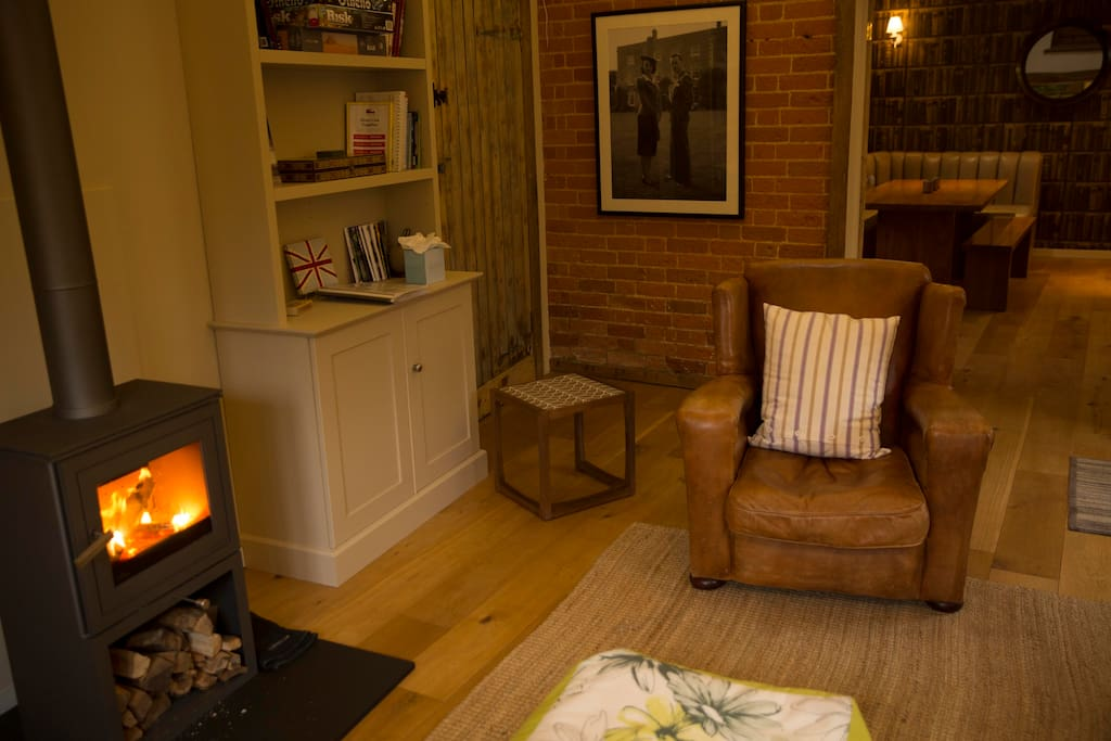 The Coach House a spacious barn sleeps 4 with dining room, kitchen, bathroom