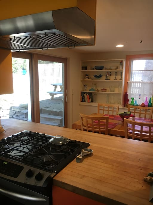 kitchen with view of picnic table outside