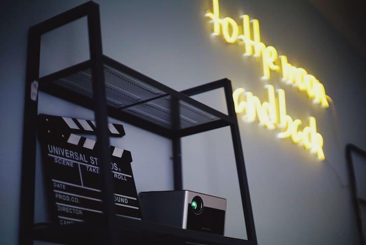 新房特惠【天堂电影院】小西天积水潭 私人影院 星光餐厅 电影主题一居
