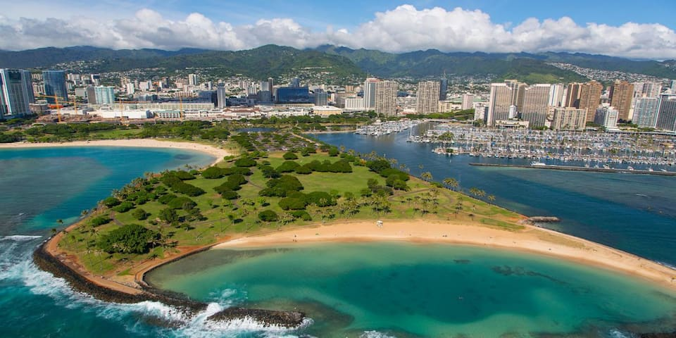 Waikiki Getaway! Lovely Unit for 2, Swimming Pool