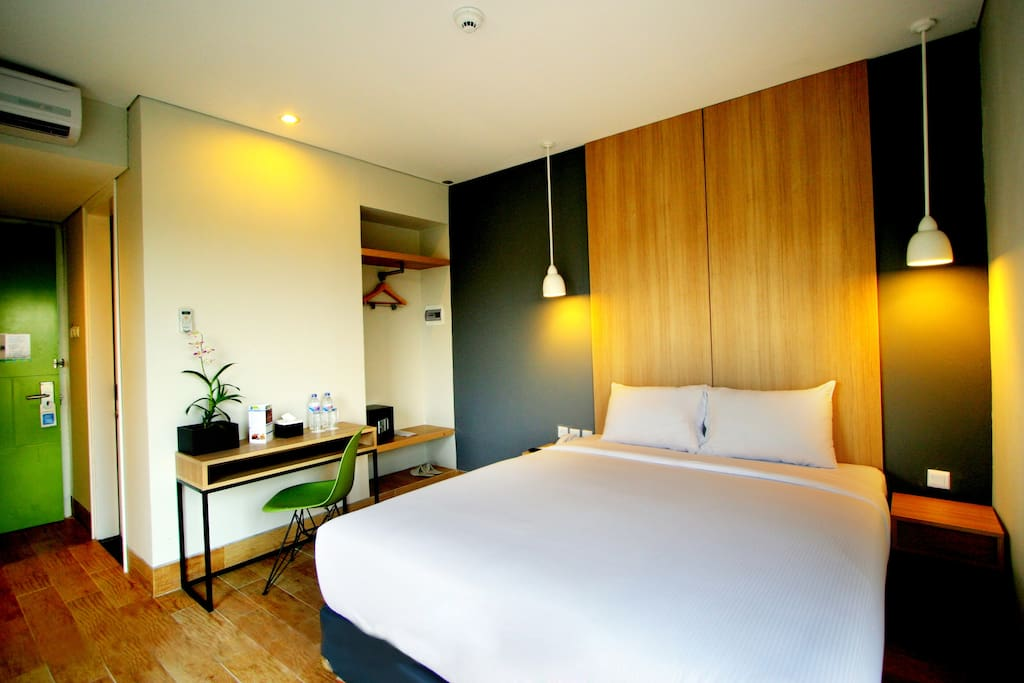 Comfortable rooms with individually controlled air conditioning and free wifi access