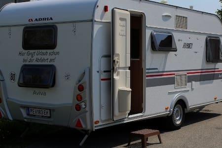 Camping Wohnwagen, Sauna, und Whirlpool Vermietung