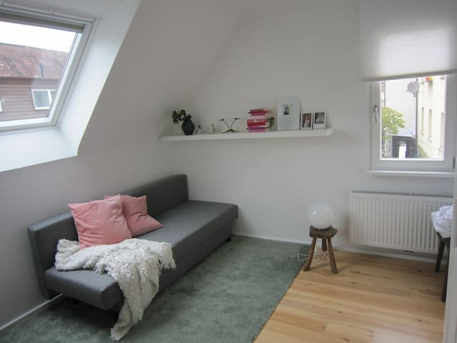 Great Flat 2 Rooms, close to the City and to Wasen - Stuttgart - Appartement