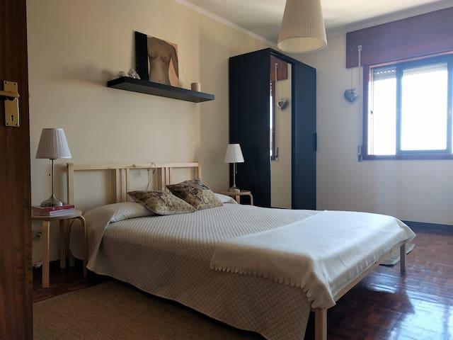 Simple Cozy Flat - ヴィラ·ノヴァ·デ·ガイア - アパート