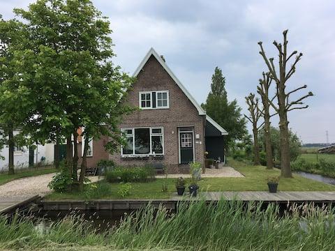 Idyllic farmhouse in the countryside of Amsterdam